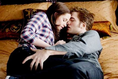 Robert Pattinson And Kristen Stewarts Odd Romance