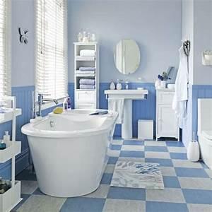 Badezimmer Fliesen Weiß : blaue wei badewanne badezimmer fliesen ideen unbedingt ~ Lizthompson.info Haus und Dekorationen