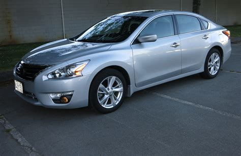 used nissan altima 2014 car review 2014 nissan altima driving