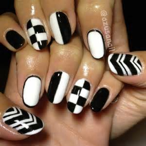 Pics photos black and white nail art designs