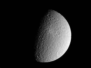 Cassini Captures New Images of Icy Moon | physics4me
