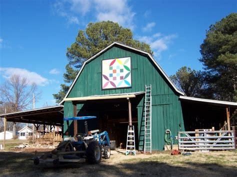 This Honey Bee Pattern Is On The Mcmurray Barn Located In