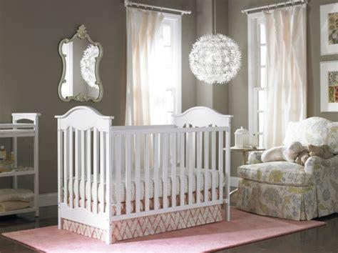lustre chambre bebe choisir le plus beau lustre chambre bébé à l 39 aide de 43