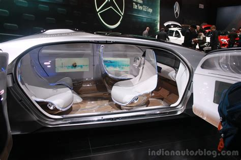 future mercedes interior mercedes benz f 015 concept interior at the 2015 detroit