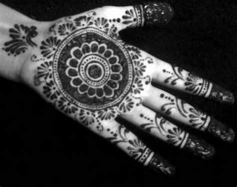 mehndi designs   women