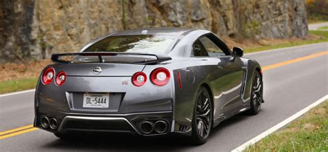 nissan gtr  price  specs   car reviews