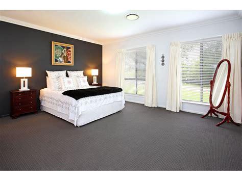 carpet for bedrooms modern bedroom design idea with carpet amp bi fold windows 10996   bedrooms