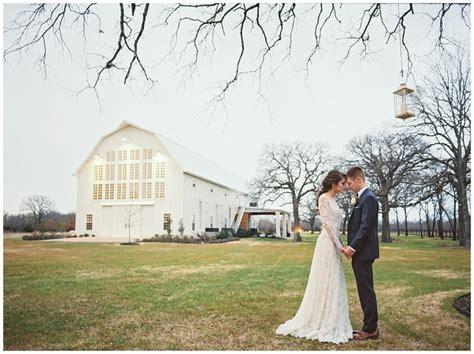 white barn wedding top ten photos to capture at your barn wedding venue the