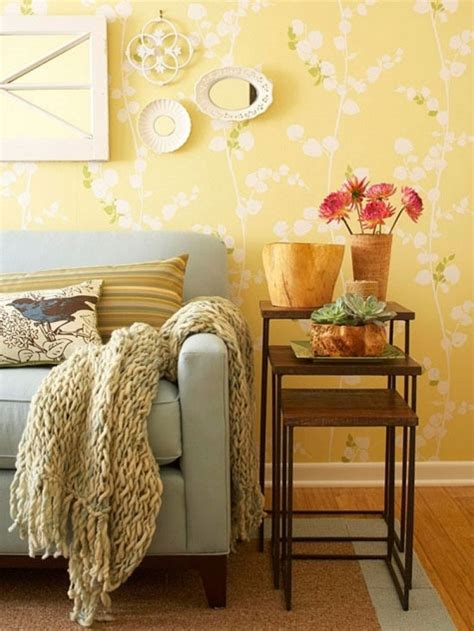Yellow Living Room Wallpaper by How To Use Yellow Color In Interior Design