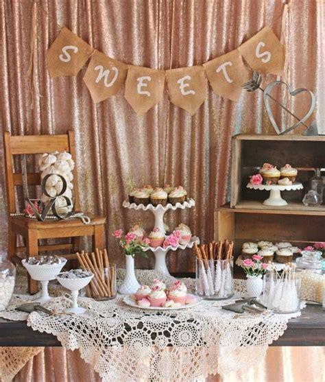 chaise en bois 1001 astuces et idées pour organiser un bar mariage