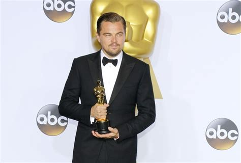 Wait...Did Leo DiCaprio Fly A Private Jet To Accept An ...