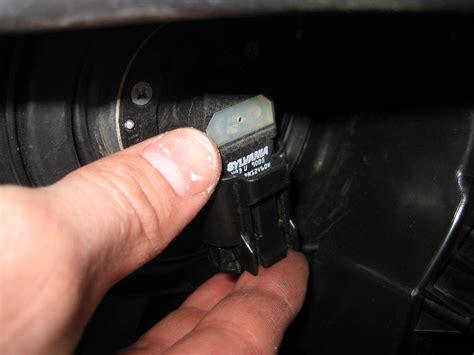 nissan rogue headlight bulbs replacement guide 018