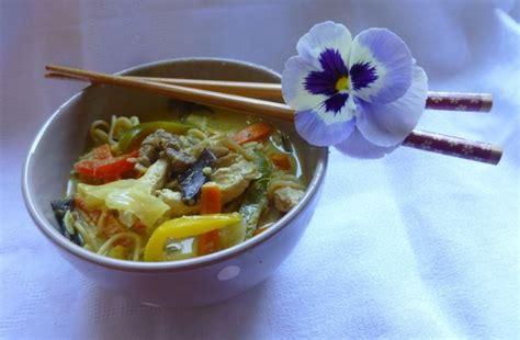 fondue vietnamienne cuisine asiatique 1000 idées sur le thème bouillon fondue chinoise sur bouillon fondue soupe et