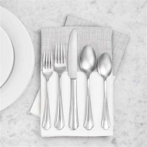 scalloped silverware flatware stainless amazonbasics piece edge steel service amazon productive feel adult help things 2353