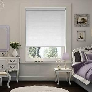Stores occultants selon l39interieur et le type de la fenetre for Décoration chambre adulte avec fenetre velux pas cher