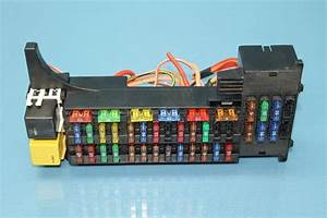 2004 Chrysler Crossfire  2 Front Left Fuse Relay Module