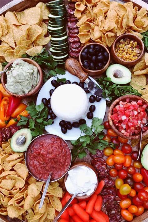 Best Cinco de Mayo Mexican Charcuterie Board Recipe ...