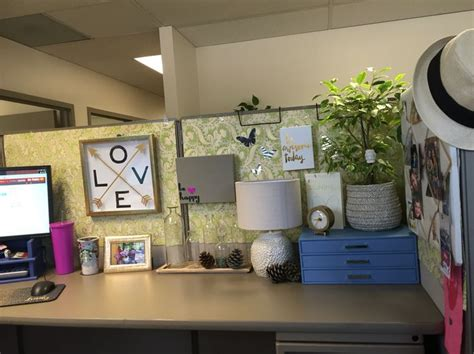 cubicle decoration themes design top 25 best cubicle ideas on decorating