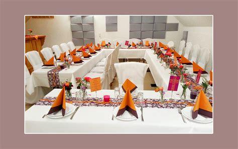 deko hochzeit orange lila tischdeko zur hochzeit