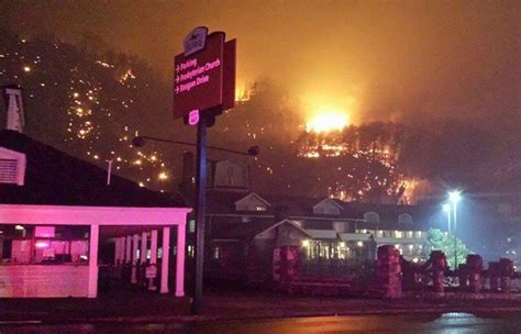 fire ravaging great smoky mountains and gatlinburg eased