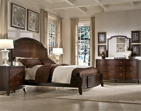 the laurel heights panel bedroom collection