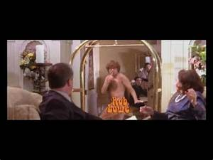 Austin powers quotthe spy who shagged mequot best scene youtube for Austin powers bathroom scene