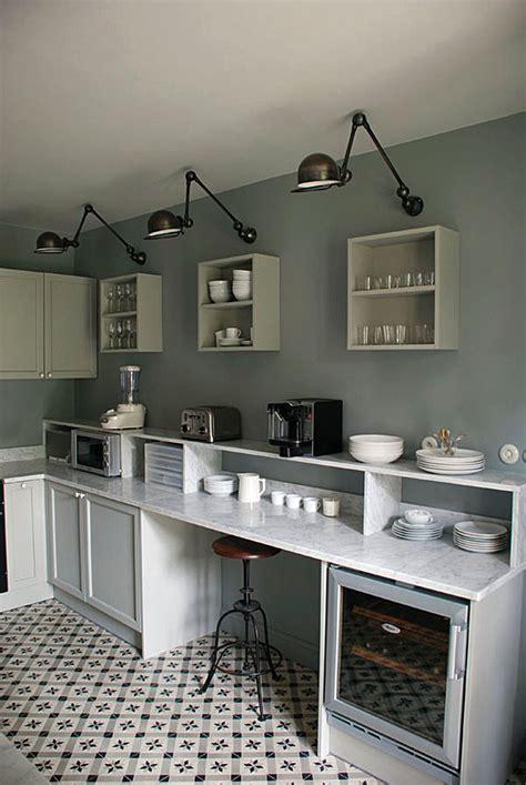 amenager une cuisine de 6m2 cuisine noir et argent