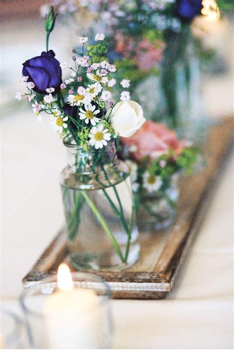 blumendeko hochzeit wiesenblumen blumen dekoration ideen