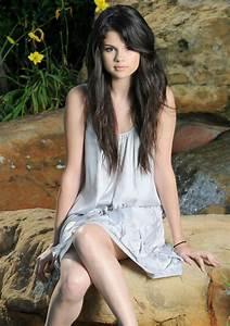 Selena Gomez Latest Photo Gallery WeNeedFun
