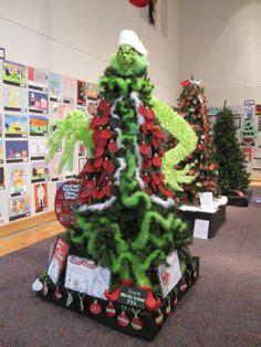 christmas tree decorating contest wwwindiepediaorg