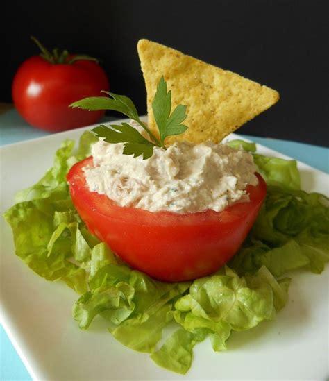 cuisiner du thon frais une entrée à base de tomate de thon et de fromage ail et