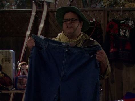 mike molly yard sale tv episode