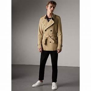 Trench Coat Burberry Homme : the kensington short trench coat in honey men burberry united states ~ Melissatoandfro.com Idées de Décoration