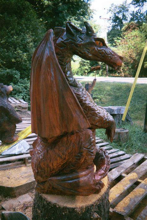 artisans   valley custom chainsaw carvings  bob