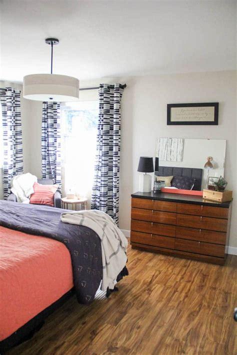 Schlafzimmer Vintage Modern by Vintage Modern Master Bedroom Bright Green Door