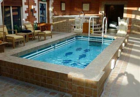 ide desain rumah minimalis  kolam renang mungil
