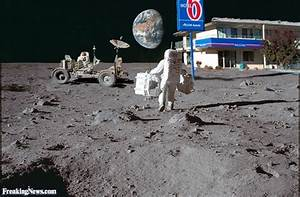 MORE Moon Landing Hoax Pictures By Freaking News [PHOTOS ...