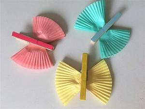 Schmetterlinge Aus Papier : bunte schmetterlinge aus muffinf rmchen der familienblog ~ Lizthompson.info Haus und Dekorationen