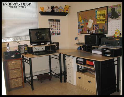 desk for digital artist ryuuri karen deviantart