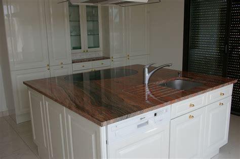 plan de travail cuisine en granit exemple cuisine avec ilot central kirafes