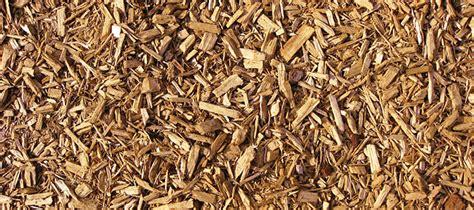 pine bark mulch vs hardwood mulch landscape mulch hardwood mulch cedar mulch pine bark mulch color mulch compost