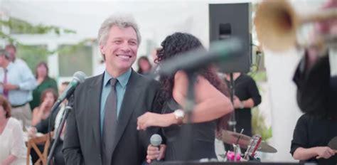 Jon Bon Jovi Joins Wedding Band For Livin Prayer