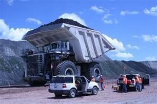 Wyoming manufacturer builds world's largest coal hauler ...