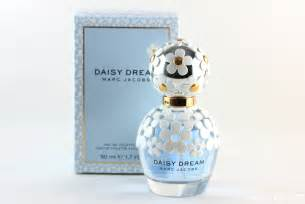 Marc Jacobs Daisy Dream Fragrance For Women Eau De Toilette Spray 1.7 oz