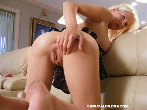Lovely Teenie Stretches Juicy Asshole And Drilling Devirgi