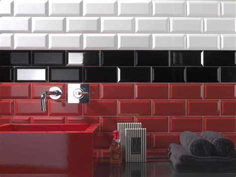 meuble cuisine 1er prix carrelage metro 7 5x15 haut de gamme noir blanc