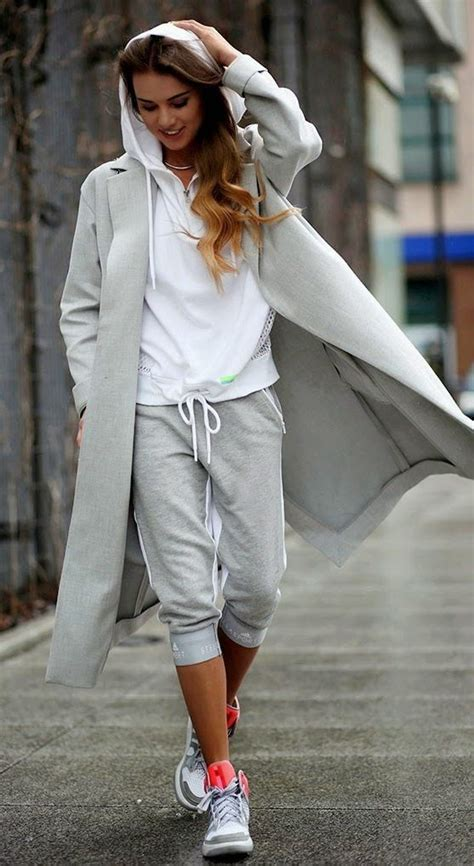 Women Sporty Style-15 Ways to Get a Fashionable Sporty Look