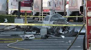 Accident Parking Sans Tiers Identifié : plane crashes in costco parking lot ~ Medecine-chirurgie-esthetiques.com Avis de Voitures