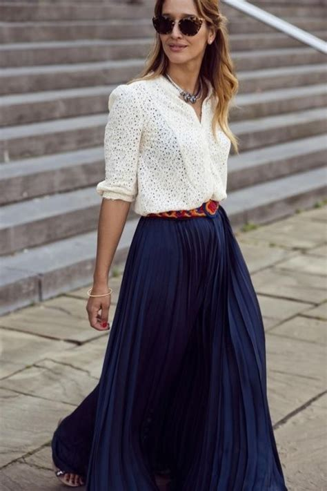 Best Ways to Wear Your Maxi Skirt in Summer 2018   FashionGum.com