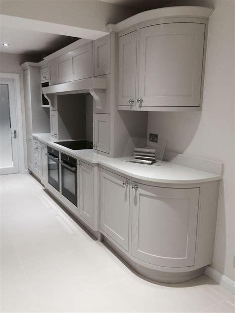 island kitchen units best 25 curved kitchen island ideas on area